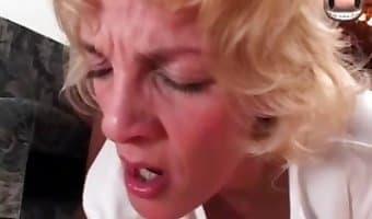 Jizz addicted babe enjoys crazy zoo porn